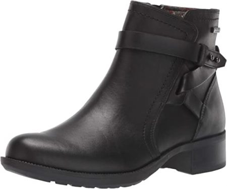 Are Chelsea Boots In Style 2022